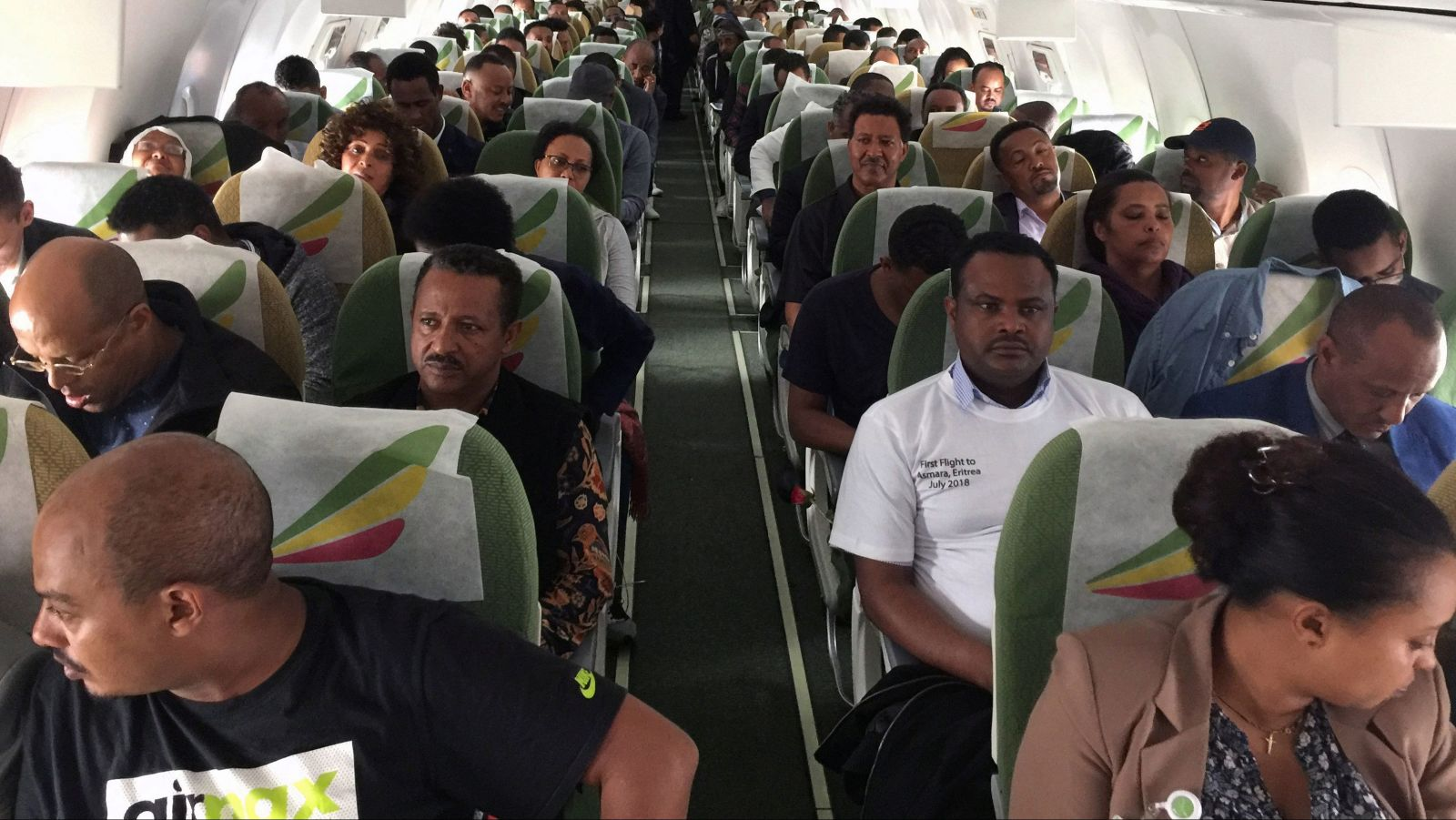 Ethiopian Airlines commercial flight into Eritrean airspace for the first time in 20 years